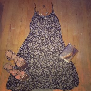 Hennessy size 6 summer brown sheer dress